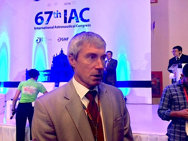 Former cosmonaut Sergei Krikalev speaks with reporters at the International Astronautical Congress in Guadalajara, Mexico. Credit: Stephen Clark/Spaceflight Now