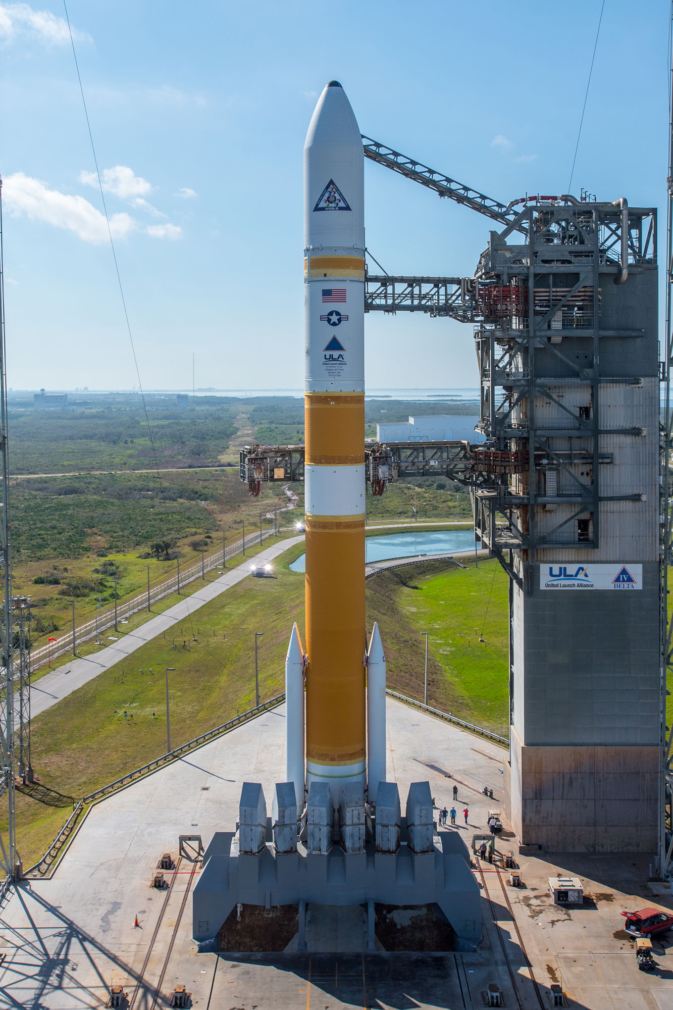 photos  launch pad gantry retracted from delta 4 rocket