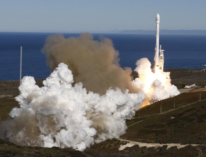 SpaceX launch places satellites in orbit
