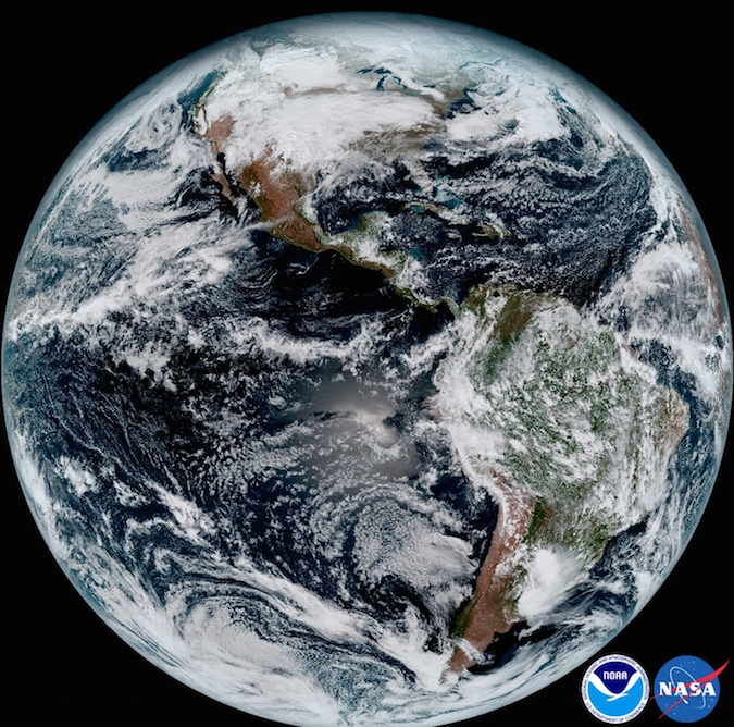 The first photos from a revolutionary new weather satellite are gorgeous