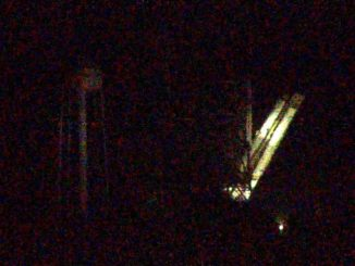Falcon 9 goes upright