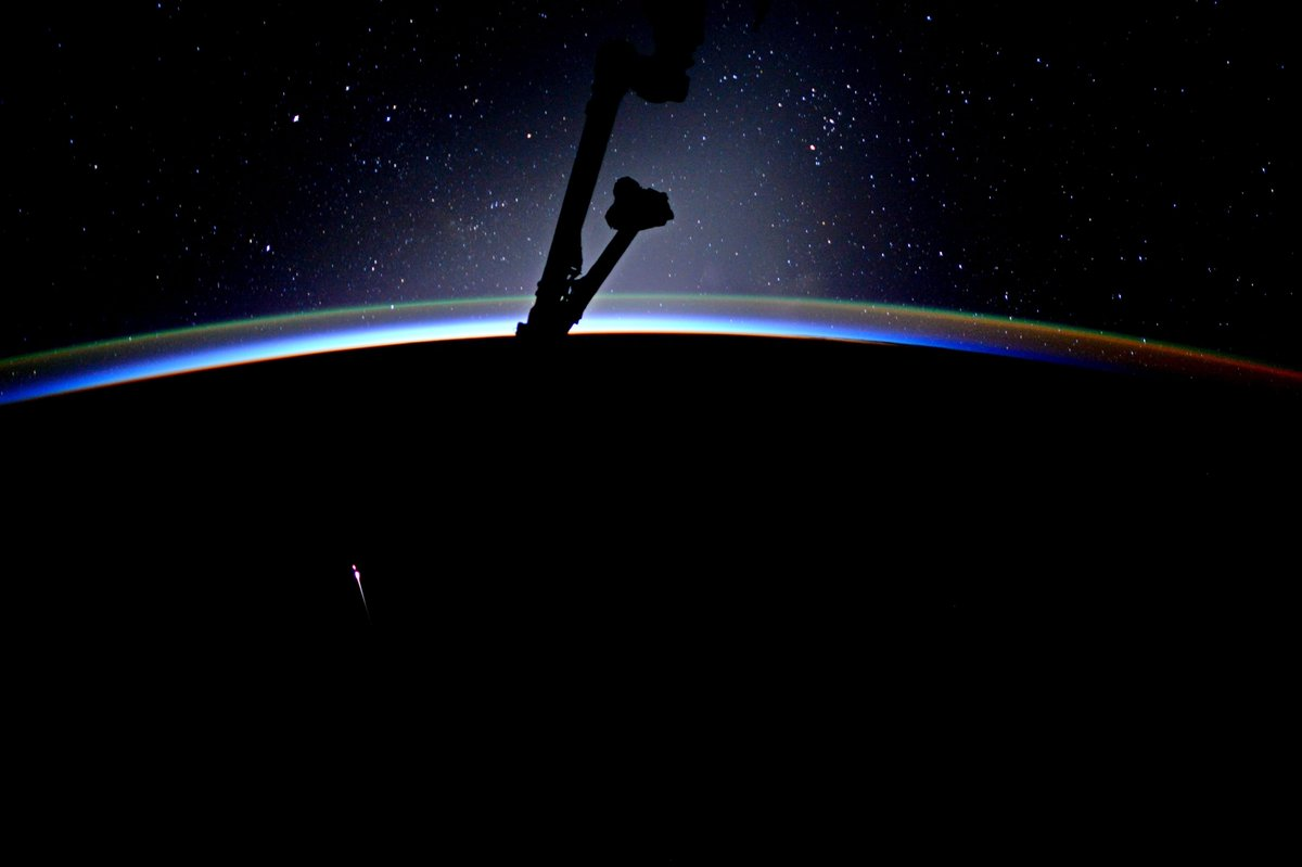 beautiful expanse of stars but the long orange one is spacex 11 reentering congrats team for a successful splashdown great mission