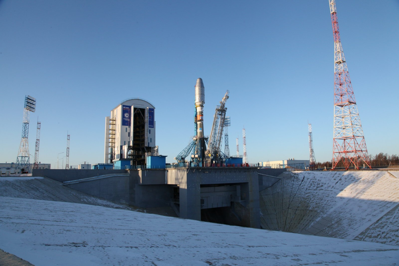 Builders of the Vostochny cosmodrome staged a strike due to non-payment of salaries 03/30/2015 72
