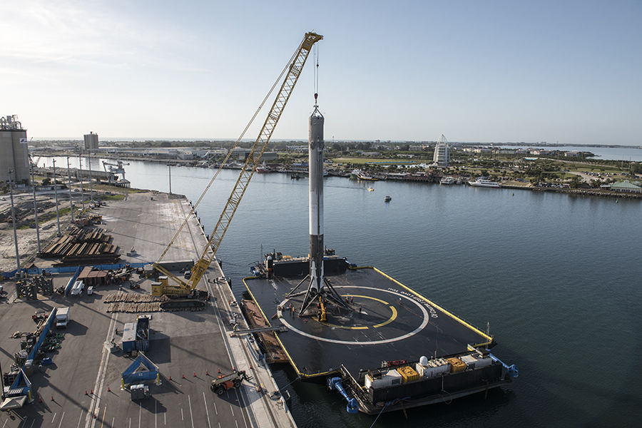 SpaceX hits two milestones in plan for low-latency satellite broadband
