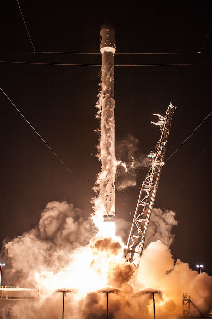 Photos Falcon 9 Rocket Lights Up The Night With Launch
