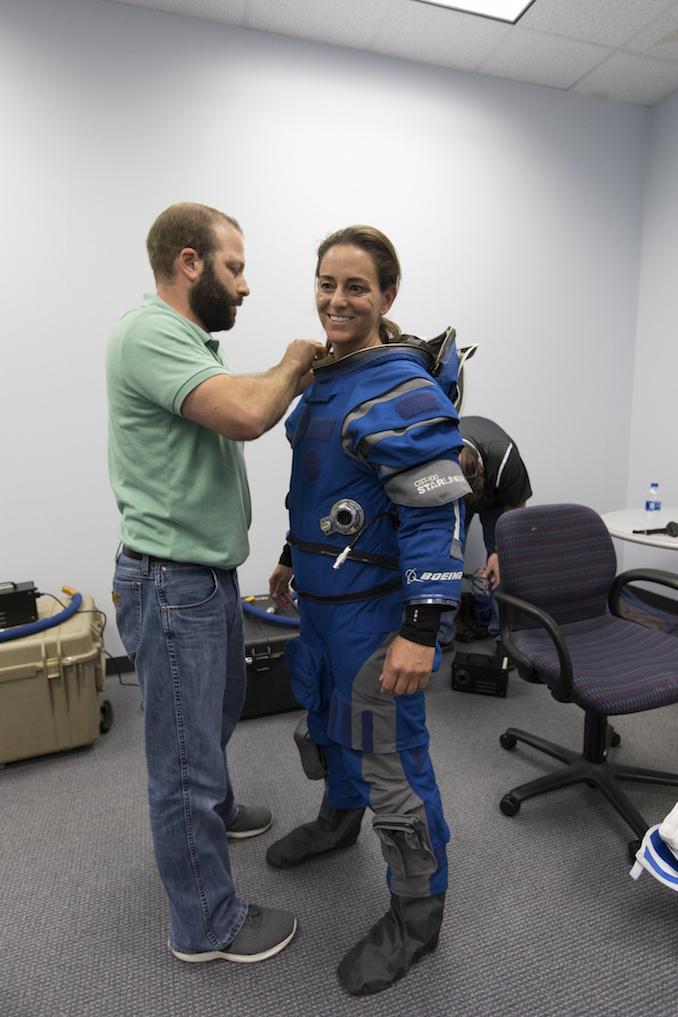 NASA - Présentation officielle des premiers équipages des CST-100 et Dragon Crew 43053040294_7ce1e36235_k