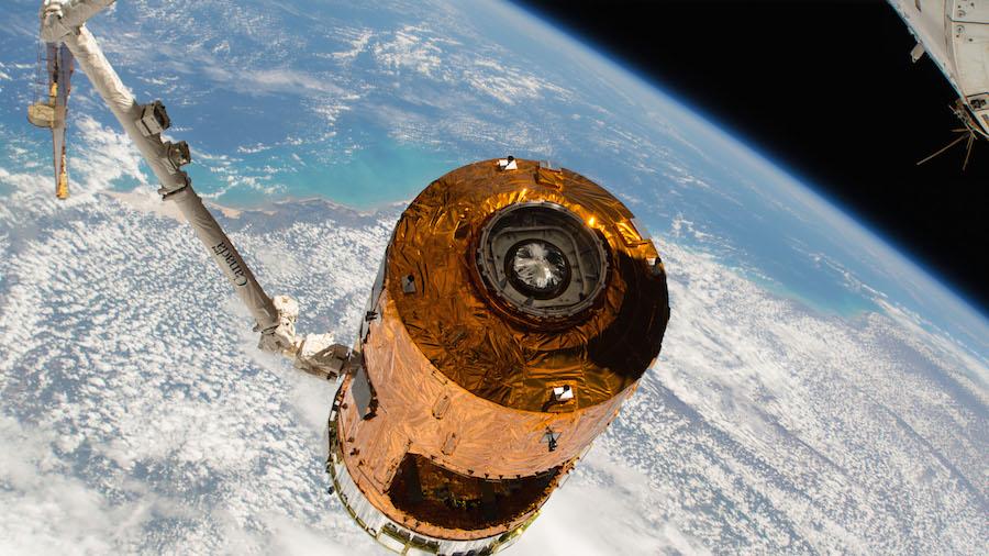 Experimentální návratový modul japonské vesmírné agentury úspěšně dopadl do oceánu