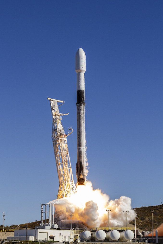 El cohete Falcon 9 despega de Vandenberg en la misión de viaje compartido de SSO-A: Spaceflight Now