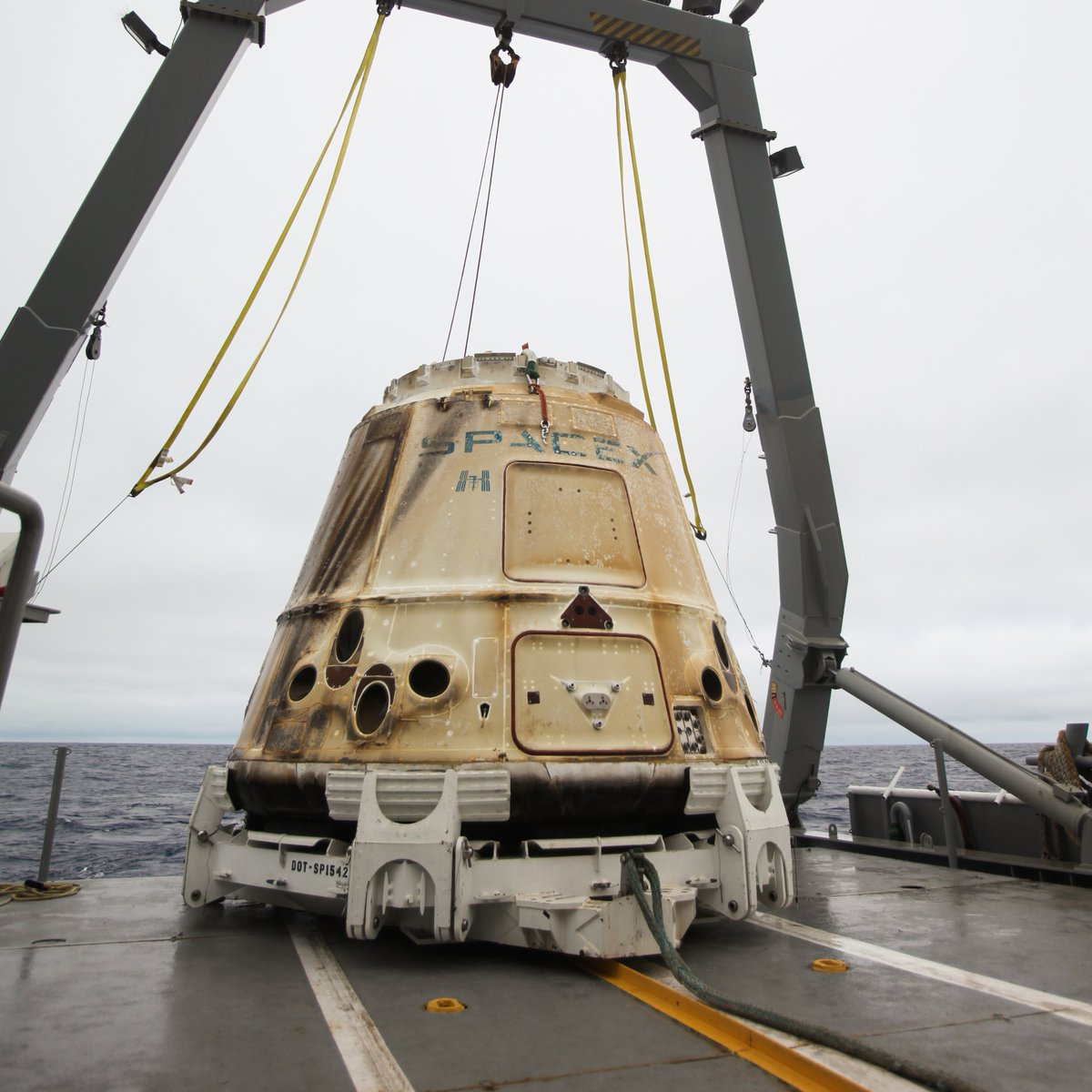 Dragon capsule returns to Earth from space station with 2 ...