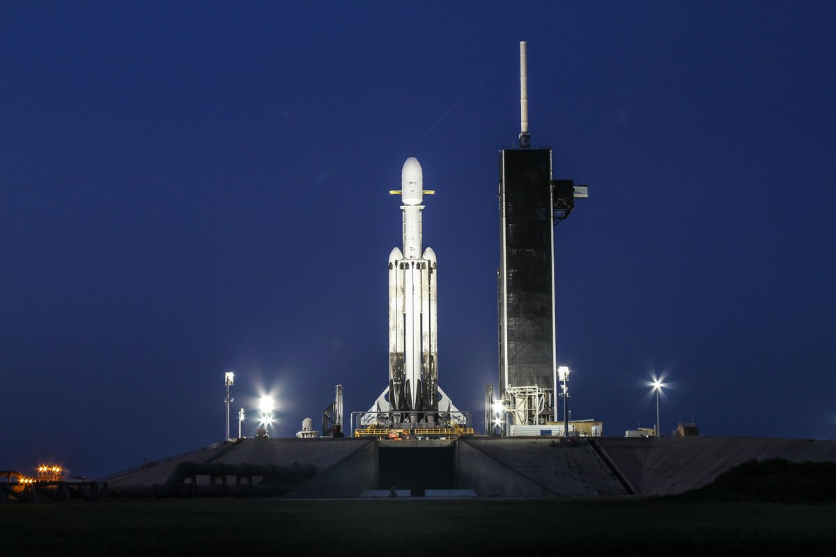 Spacex Drawing Up Plans For Mobile Gantry At Launch Pad 39a Spaceflight Now