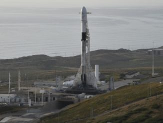 Photos: SpaceX's Falcon 9 rocket on the pad at Vandenberg
