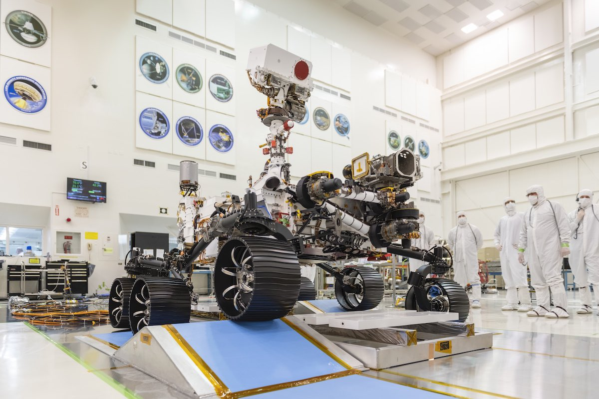 NASA invites public to vote on name for Mars 2020 rover
