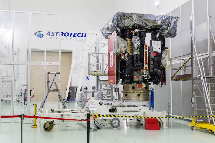 Stacking of ULA's next Atlas 5 rocket begins at Cape Canaveral