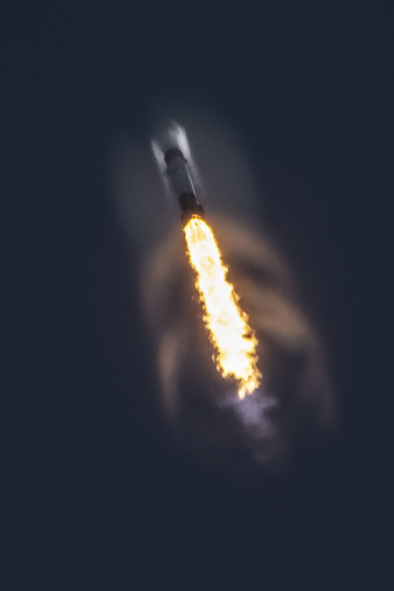 NASA, U.S. military reviewing SpaceX engine malfunction