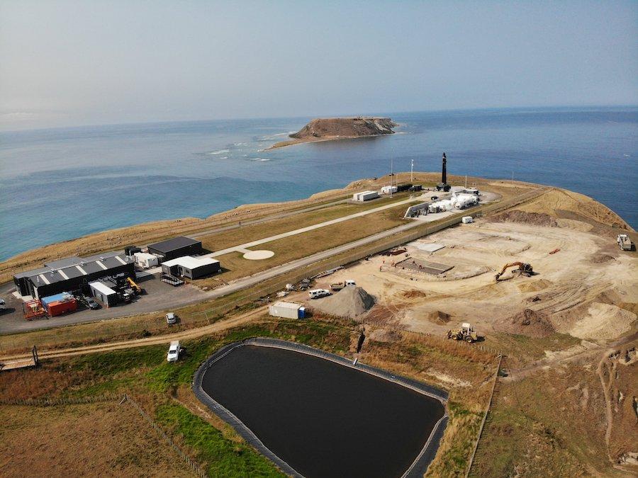 Citing coronavirus concerns, Rocket Lab pauses launch operations