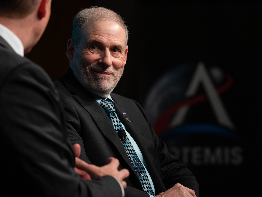 NASA's chief of human spaceflight resigns on cusp of critical crew launch