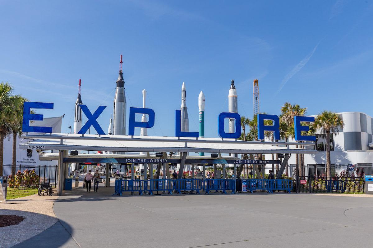 - d2 kscvc9 - Delta 2 rocket exhibit opens at Kennedy Space Center – Spaceflight Now