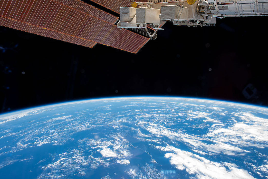 NASA, Axiom sign agreements moving ahead with first commercial station visit thumbnail