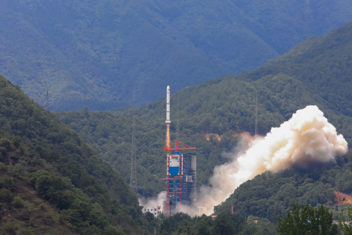 Chinese military payloads deployed on Long March 2C rocket launch