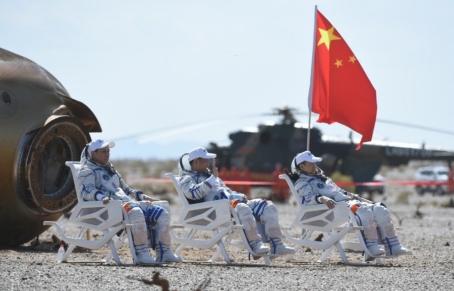 Chinese crew landing caps record-setting day in human spaceflight